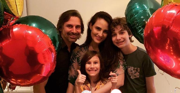 Ao lado da família, a atriz comemorou mais um ano de vida