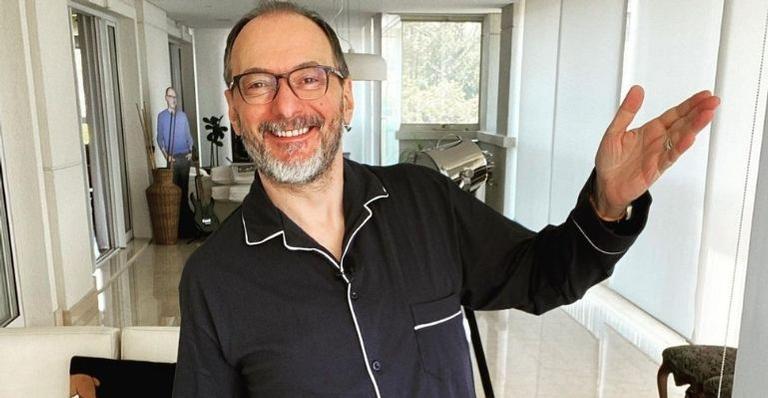 O jornalista era apresentador do reality show até ser substituído por Roberto Justus