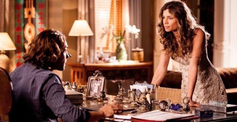 Ester contará com ajuda de uma espiã infiltrada na mansão da família Albuquerque para destruir o empresário