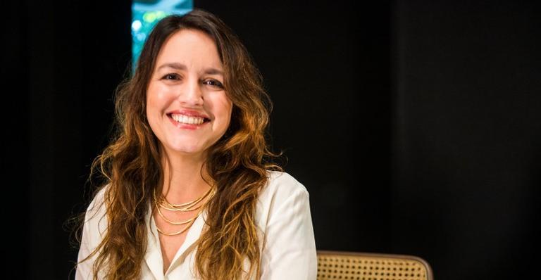 Autora de Amor de Mãe, Manuela Dias recebeu críticas de telespectadores da novela sobre cenas inusitadas que foram ao ar