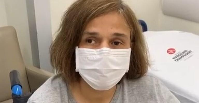 Atriz foi internada depois de sentir dores no corpo e febre