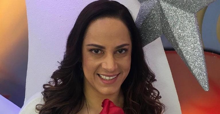 Internada para tratamento da Covid-19, Silvia Abravanel compartilhou a informação com seus fãs em sua rede social