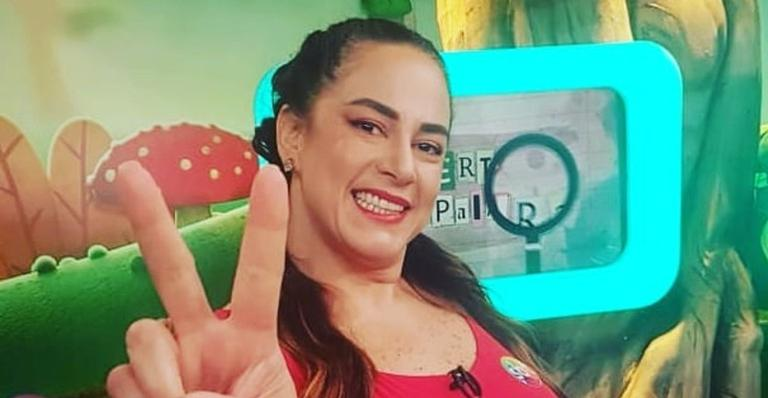 A apresentadora ficou 11 dias internada por complicações da doença e comemorou sua saída do hospital
