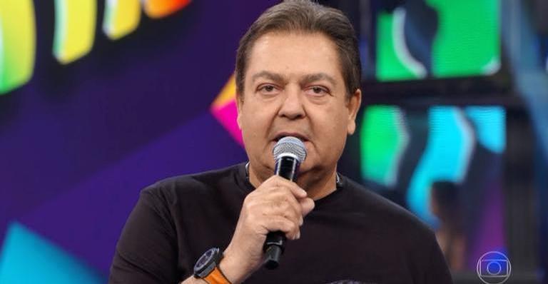 Colunista Flávio Ricco revela que Faustão deverá assinar contrato com a Band em breve