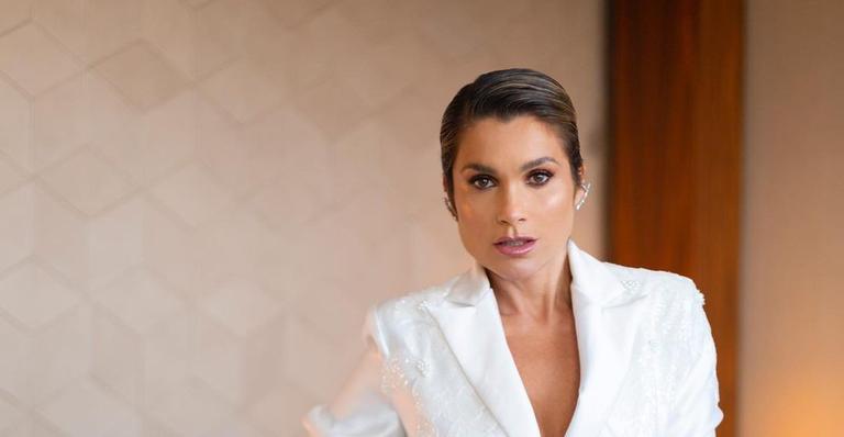 Flávia Alessandra passa por mudança no cabelo e exibe o resultado na web