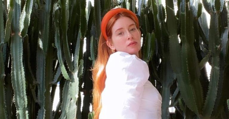 A atriz conversou com seus seguidores e revelou que tem trabalho estacionado por conta da pandemia