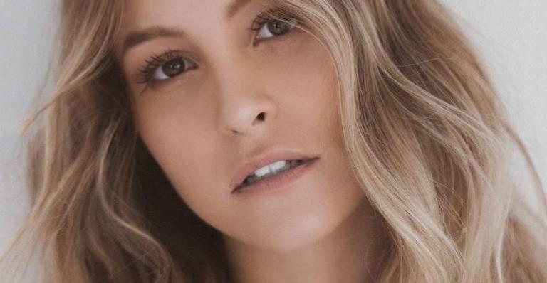 Carla Diaz faz desabafo sobre rumores que ela estaria se encontrando com Arthur Picoli