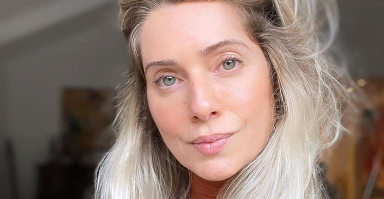 Leticia Spiller resgata foto de quando estava grávida da filha caçula, Stella
