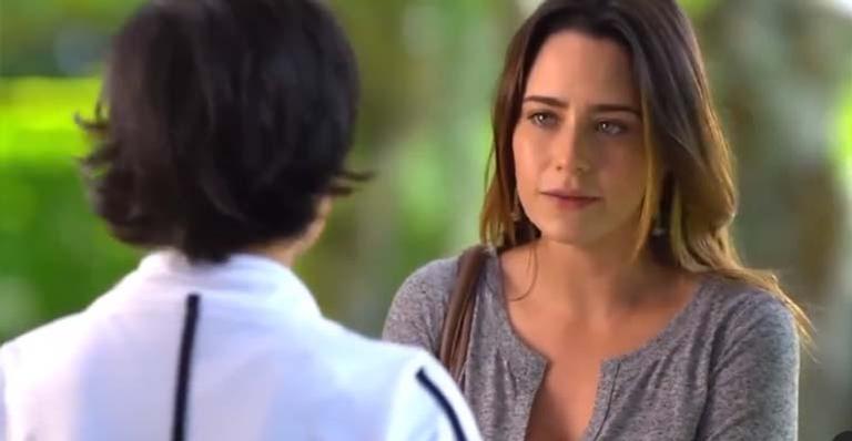 Você sabia? Narradora das chamadas da Globo, Mabell Cezar teve a chance de narrar sua própria cena na reprise de A Vida da Gente. Saiba mais aqui!