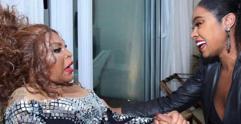 Nas redes sociais, a atriz celebrou a vida da cantora em linda declaração de aniversário