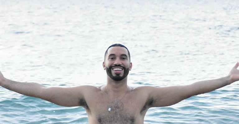 Gilberto Nogueira usa suas redes sociais para contar que irá processar mensagens homofóbicos