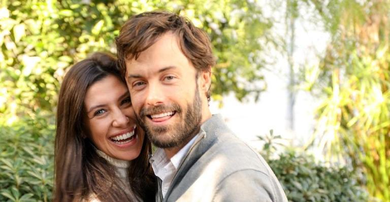 O ator Kayky Brito e a namorada, Tamara Dalcanale, vão ser pais de um menino e o ator pediu sugestão de nomes nas redes sociais
