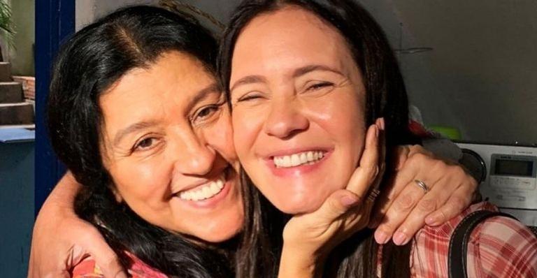 As protagonistas de 'Amor de Mãe' agitaram a web com o reencontro e arrancaram elogios dos fãs