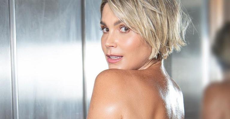 Para fugir do frio da região sudeste, a atriz Flávia Alessandra fez as malas com o maridão, Otaviano Costa, e voou para curtir o calor no Ceará