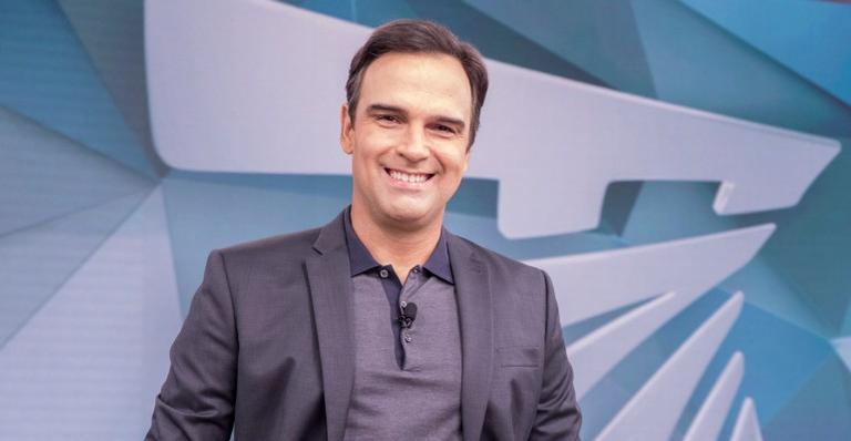 A Globo deverá anunciar o nome do apresentador para o BBB22 no próximo domingo, 10/10, no Fantástico