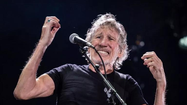 Roger Waters entrou nos trendin topics do Twitter com mensagem no seu show